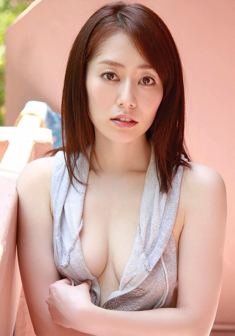 谷桃子アイコラ画像